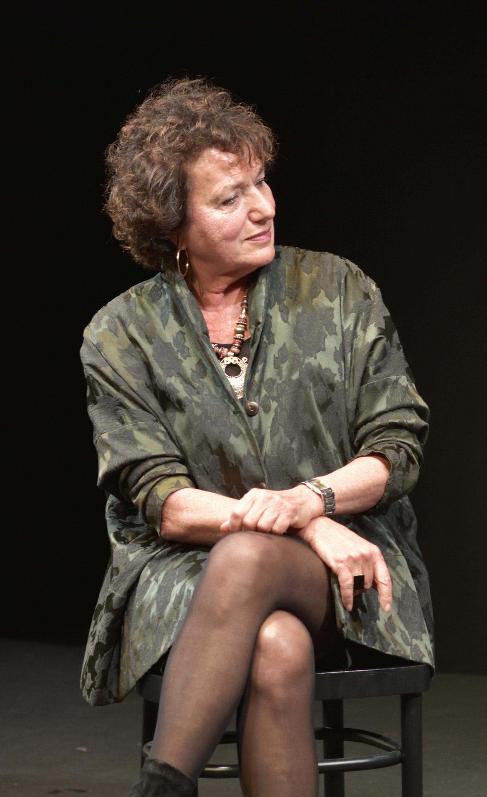 Marion ascolta Antonietta